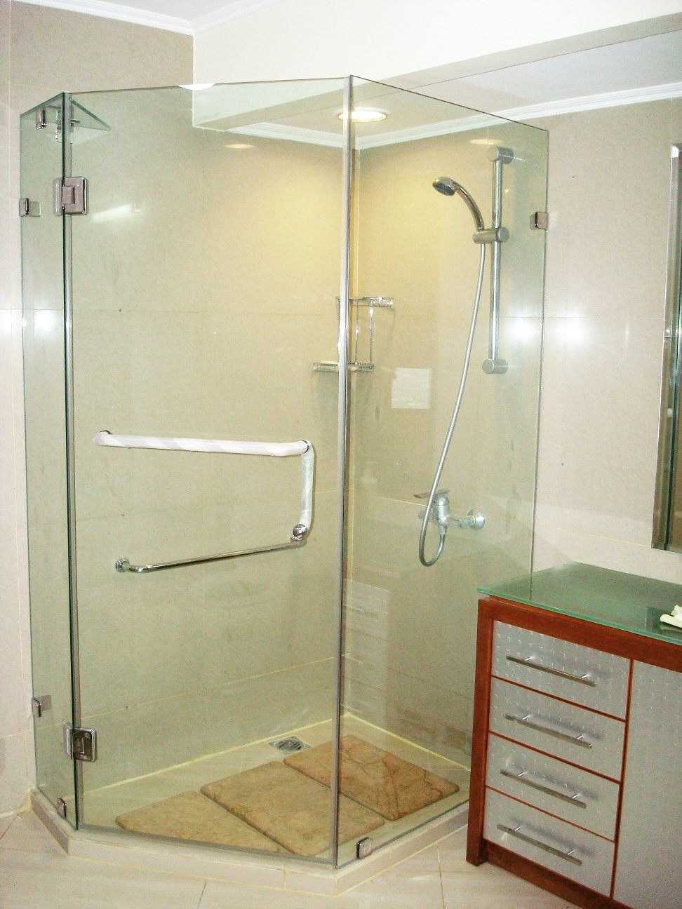 Simply Lux Shower Screen